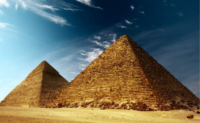 谈起那里的金字塔