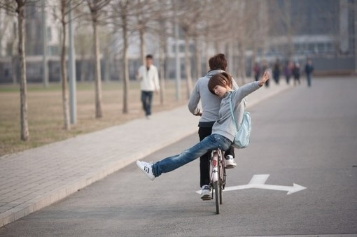 單車(che)上(shang)的小愛情