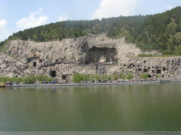 龍門石(shi)窟游